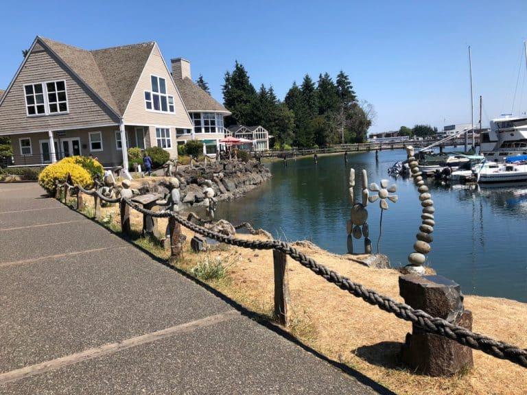 Cute waterfront sidewalk near the Harbour Public House.