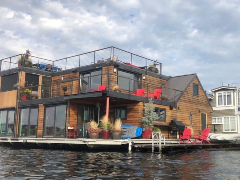 Found a houseboat community on Lake Union while kayaking!